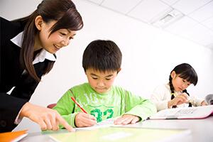 公立小学生対象 学式タブレット学習