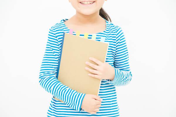 生徒一人ひとりのご家庭と連絡帳システムにより連携し、生徒を徹底的にサポート!